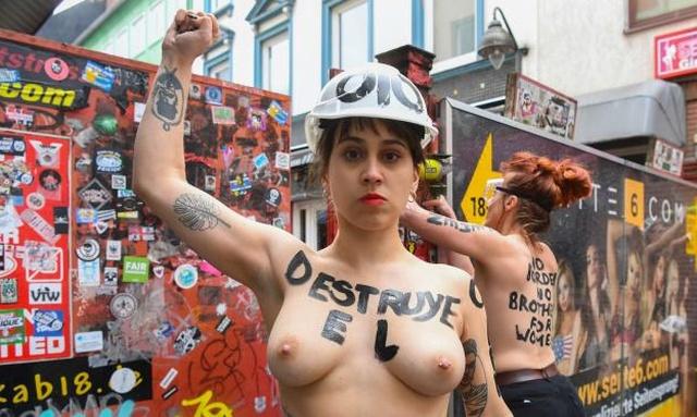 Активистки Femen провели акцию протеста на улице красных фонарей в Гамбурге (5 фото)