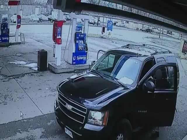 Угнал машину, чтобы догнать угонщика
