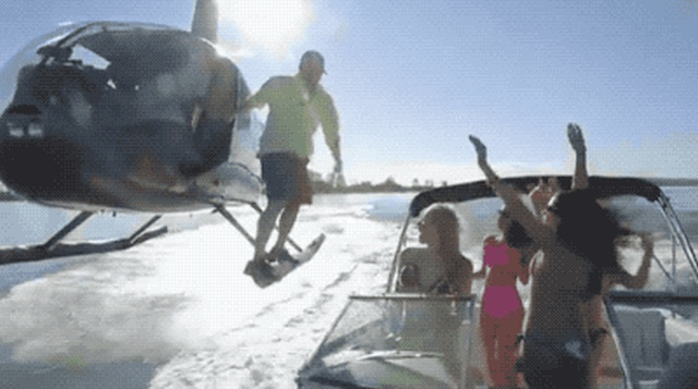 Интересные гифки с вертолетами (23 гифки)
