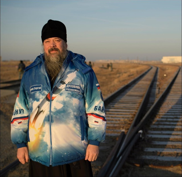 """Фотограф НАСА опубликовал снимок духовника """"Роскосмоса"""" (фото)"""
