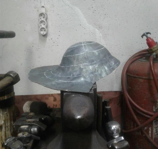 Римский шлем из монолитной детали (6 фото)