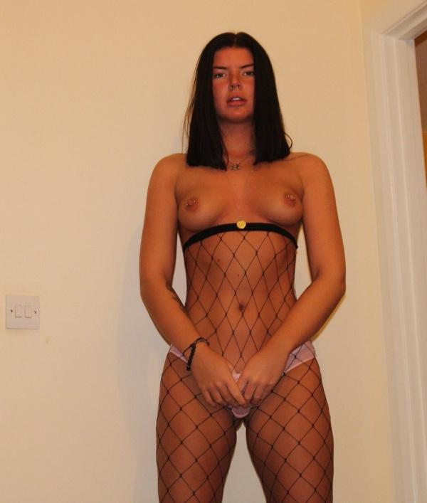 Мать веб-модели Бэт Спибай фотографирует ее для порносайтов (20 фото)