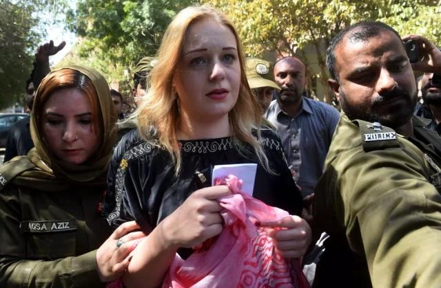 Модель Тереза Глускова проведет в пакистанской тюрьме почти 9 лет за контрабанду наркотиков (5 фото)