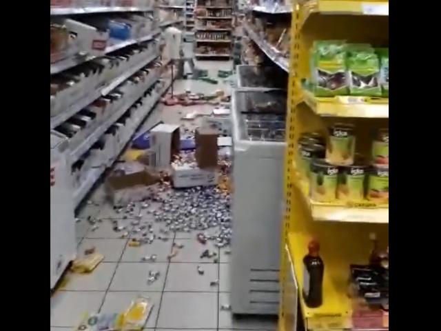 """Нетрезвый мужчина устроил погром в магазине """"Магнит"""""""