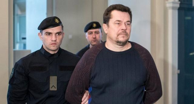 Мошенник из Литвы Эвалдас Римашаускас обманул Google и Facebook на 121 млн долларов (2 фото)
