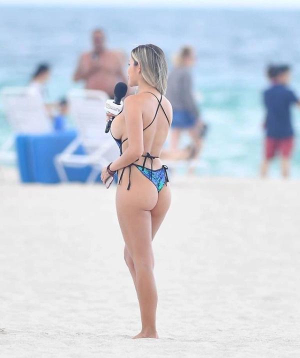 Очаровательные телеведущие на пляже в Майами-Бич (15 фото)