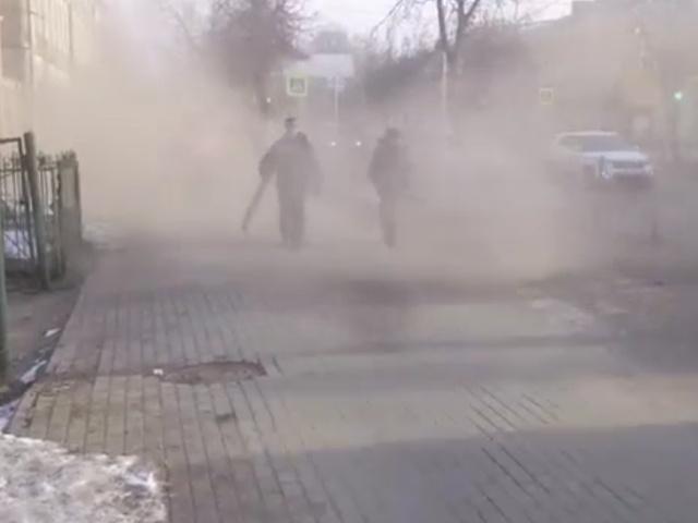 В Гатчине работники коммунальных служб устроили песчаную бурю