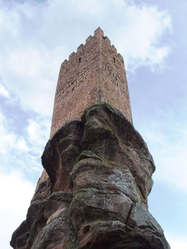 """Испанский замок Сафра, который можно было увидеть в """"Игре Престолов"""" (8 фото)"""
