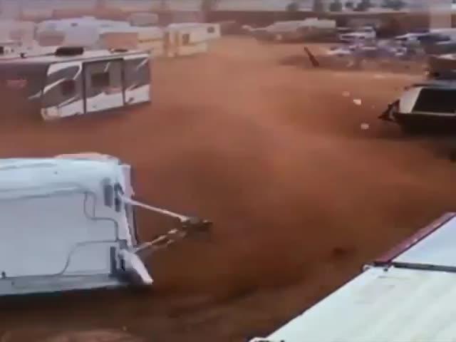 "В Колорадо ""слегка"" ветрено..."