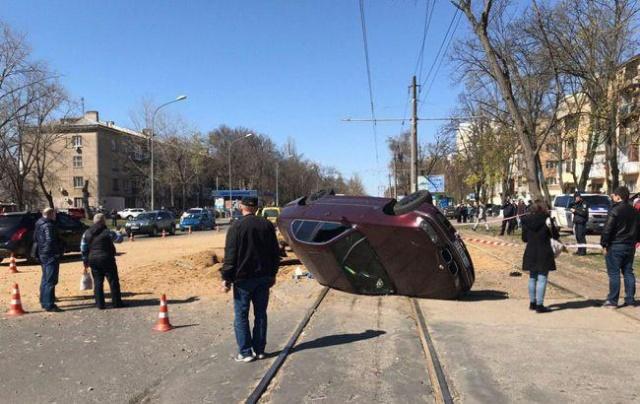 Подземный взрыв газа в Одессе (6 фото + видео)
