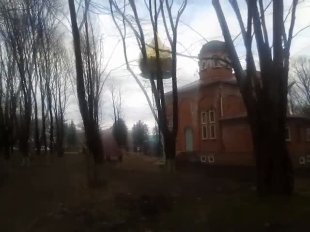 Купол рухнул прямо на Храм во время установки