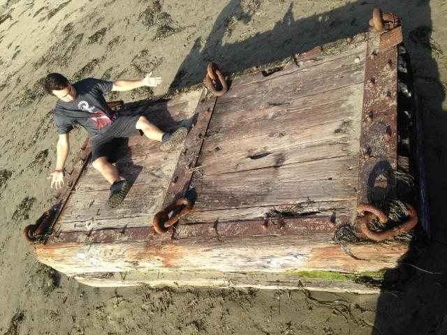Странные и пугающие находки, которые сделали люди на пляжах (20 фото)