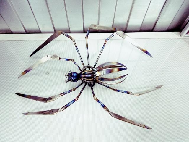 Необычное искусство из старых ножниц (17 фото)