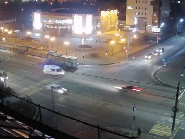 Видео аварии с участием скорой помощи в Подольске