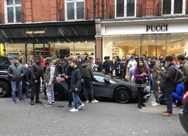 Спорткар Lamborghini Aventador был украшен 2 миллионами кристаллами Swarovski (6 фото)