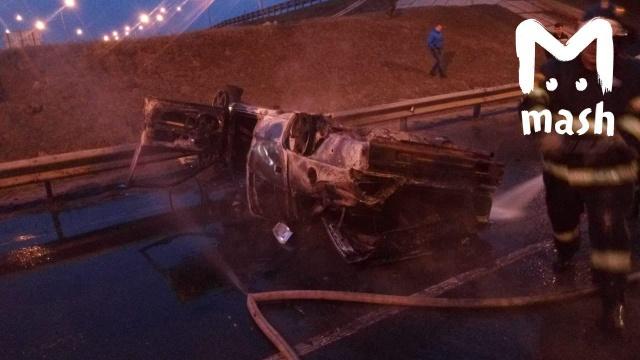 Необычная авария на Симферопольском шоссе (4 фото)