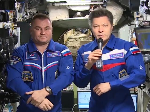 Олег Кононенко и Алексей Овчинин поздравили жителей Земли с Днём космонавтики