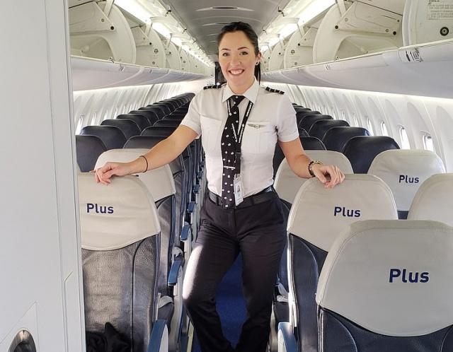 Девушка, которая работает пилотом (10 фото)