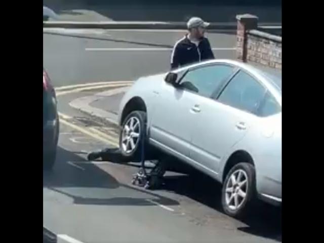 Ремонт автомобиля? Не совсем...