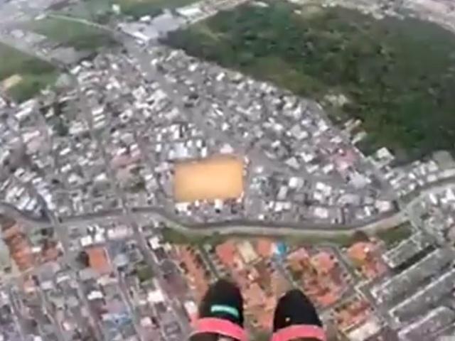"""""""Почти"""" удачное приземление с парашютом"""