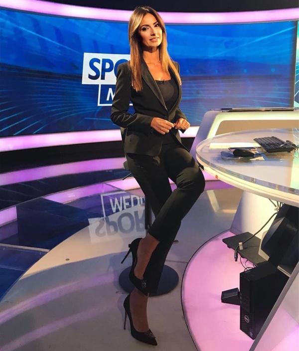 Моника Бертини - самая горячая итальянская журналистка (20 фото)