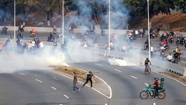 Протесты в Венесуэле: президент Николас Мадуро сообщил о попытке госпереворота (3 фото + 6 видео)