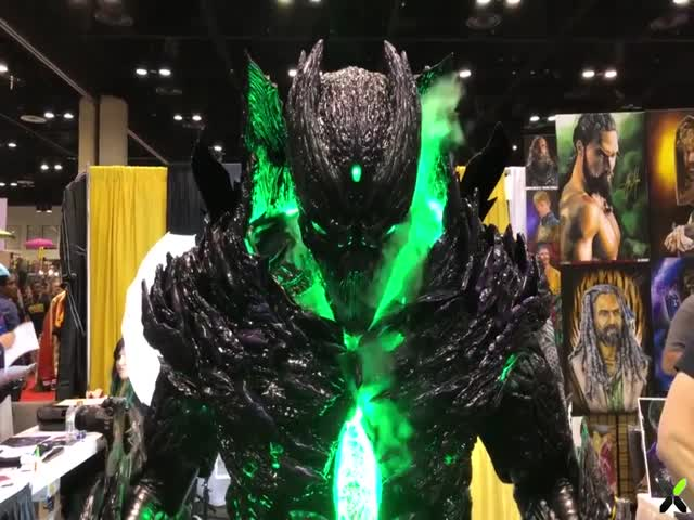 Крутой костюм на MegaCon