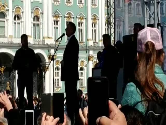 Выступление Александра Беглова на публике пошло не по плану