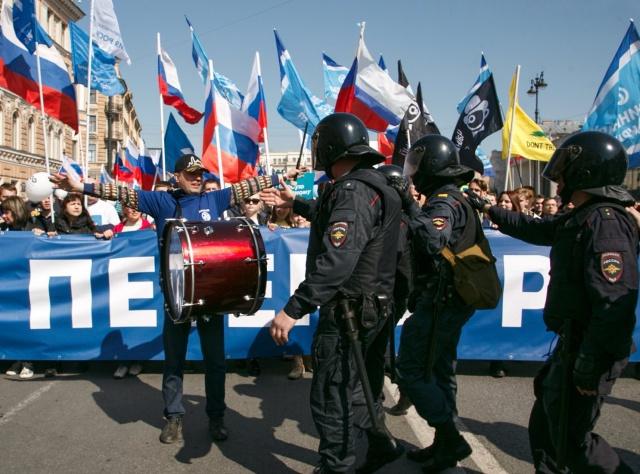 Задержания во время первомайских акций (4 фото + 3 видео)