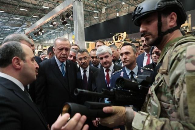 Турция показала новейшее лазерное оружие TÜMOL (7 фото)
