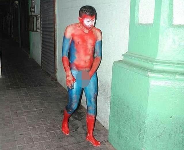 """Мексиканский наркокартель """"раскрасил"""" людей под супергероев из """"Мстителей"""" (5 фото)"""