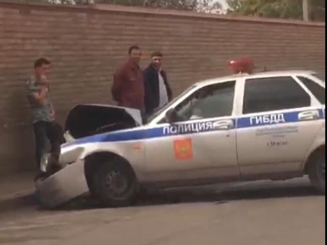 Видео аварии двух автомобилей ГИБДД в Назрани