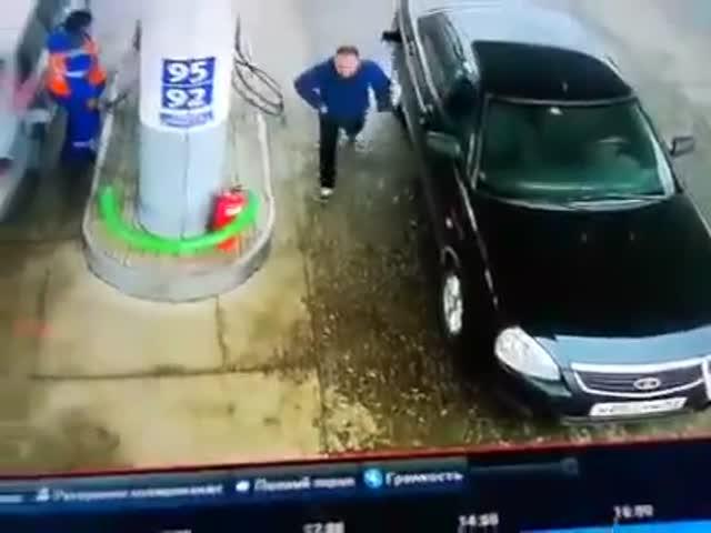 Заправить автомобиль - это непростая задача