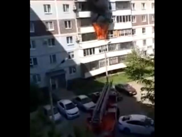 """Тушение пожаров становится настоящей """"головоломкой"""" из-за припаркованных во дворах машин"""