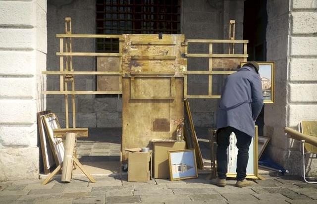 Бэнкси без приглашения поучаствовал в выставке в Венеции (3 фото + видео)