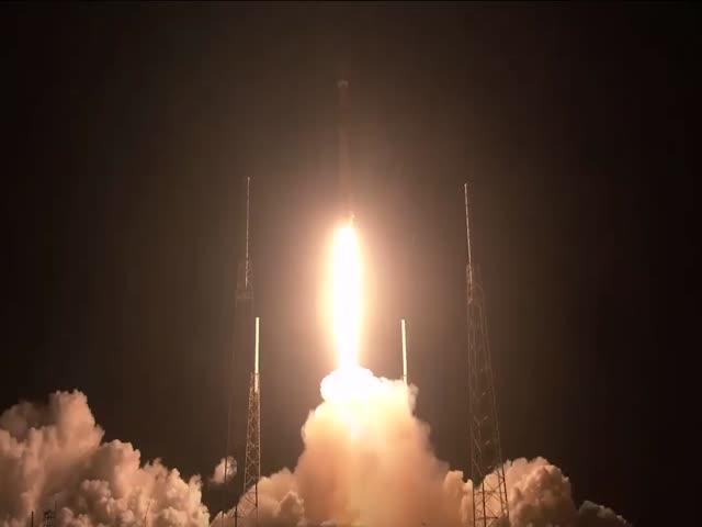 SpaceX успешно запустила в космос первые 60 спутников глобальной системы интернета Starlink