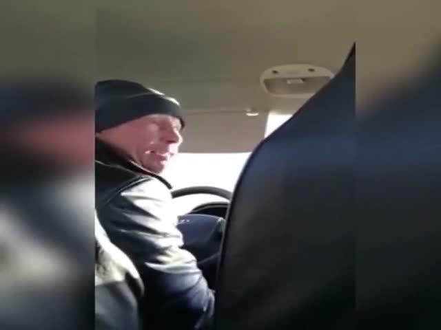 """Какой, однако, """"доброжелательный"""" таксист..."""