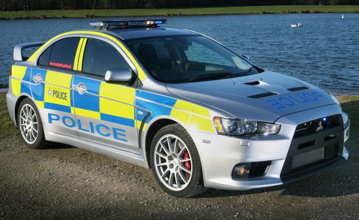 Элитные полицейские автомобили разных стран мира (15 фото)
