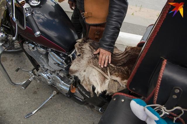 Пенсионерка из Челябинска создала свой мотоклуб, и она запросто уделает любого байкера (8 фото)