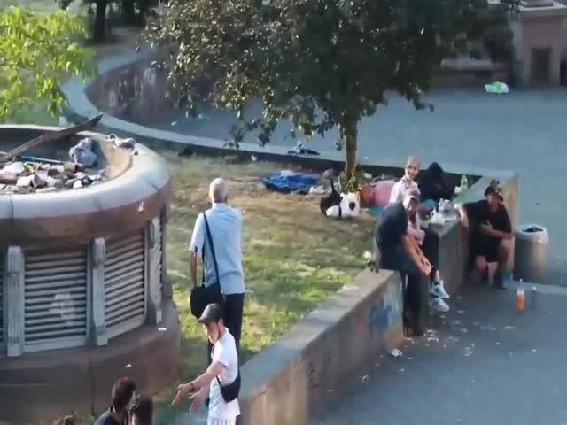 Как в Киеве пьяного проучили