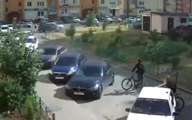 Автолюбитель, который ненавидит велосипедистов