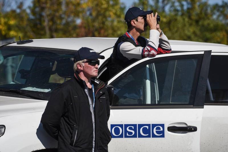 Шесть машин миссии ОБСЕ сгорели в Донецке