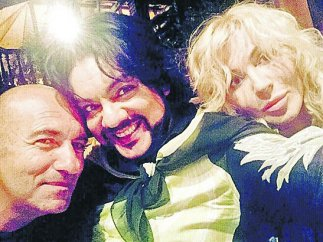 Фото Билык с Киркоровым в обнимку стало причиной скандала