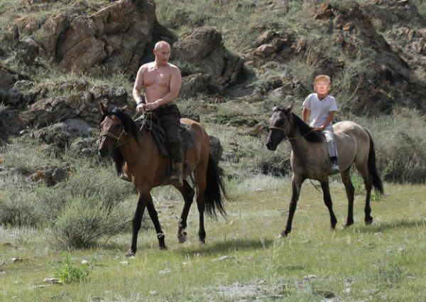 Фотоотчёт: как проводят вместе время Владимир Путин и Дональд Трамп