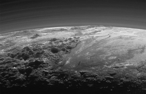 Вы просто обязаны увидеть эти снимки поверхности Плутона