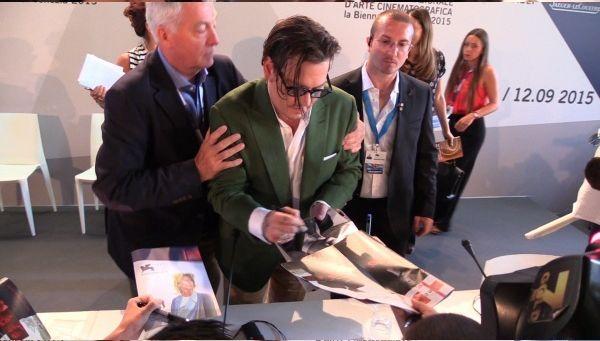 Джонни Депп на пресс-конференции