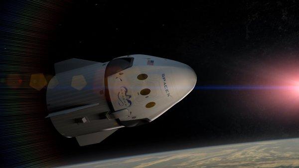 Видео Роскосмоса «Космическая прогулка» и промо нового корабля SpaceX