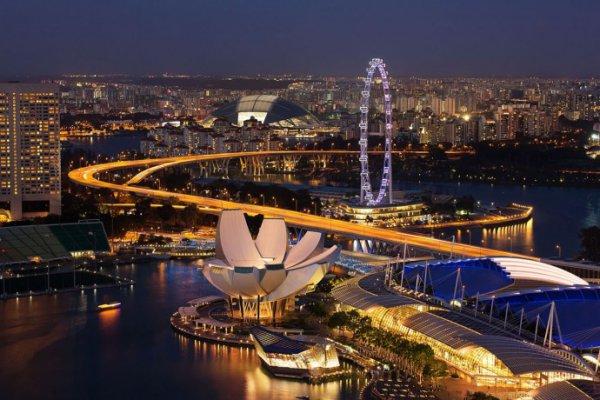В Сингапуре показали самые дорогие духи в мире