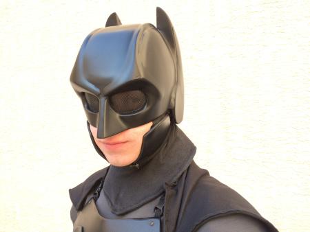 Студент сделал рабочий костюм Бэтмена