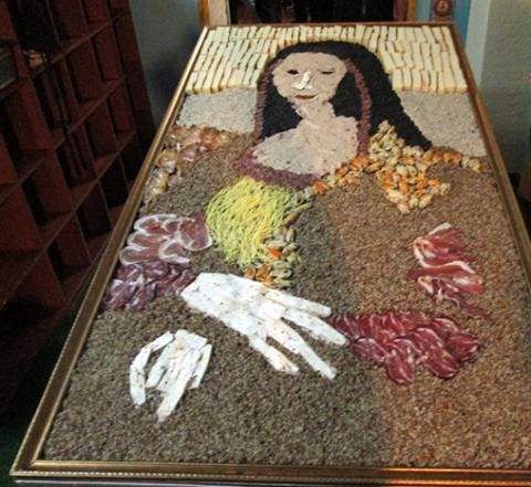 В Новокузнецке представили самую большую съедобную копию «Мона Лизы»